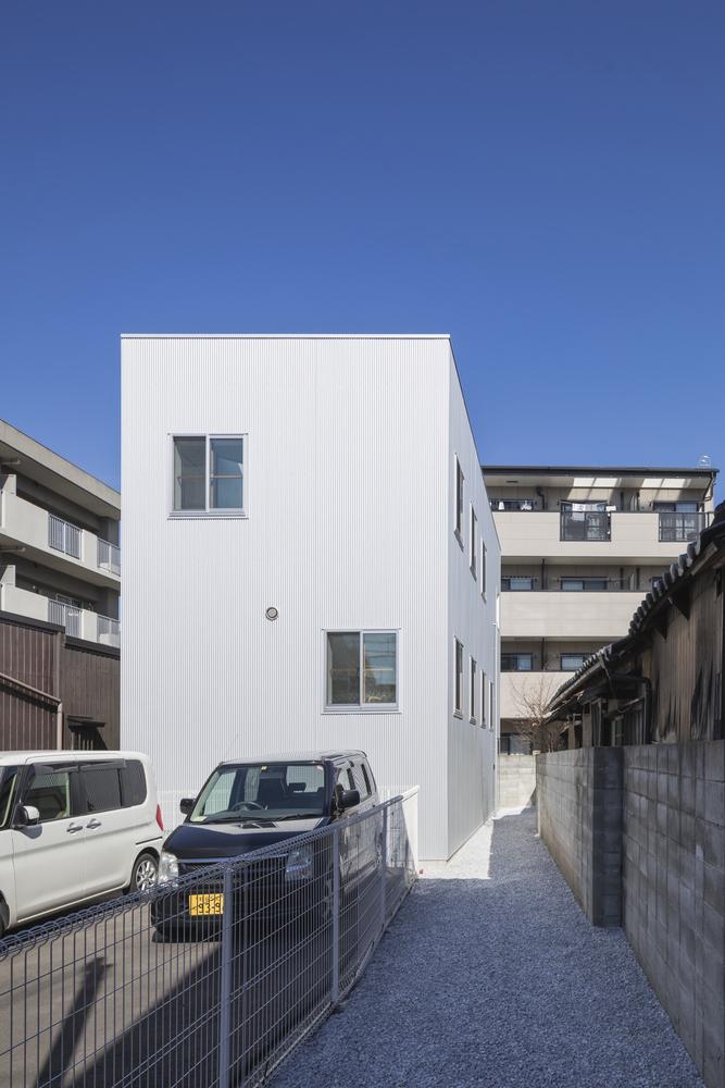 Ngôi nhà Nhật chia 13 tầng nhưng không có phòng nào